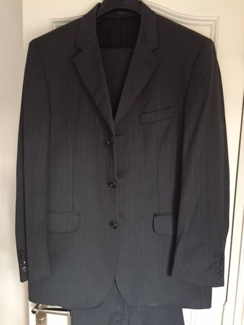 Vente costume homme d'occasion